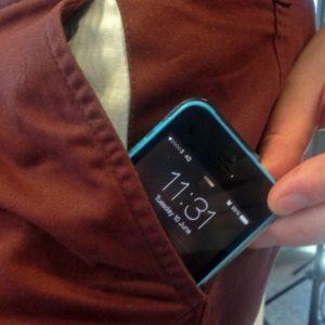 iphone-5c-smartphone-pocket